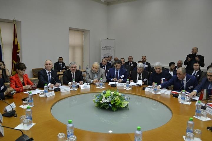 Внеочередной съезд АзерРос избрал нового президента