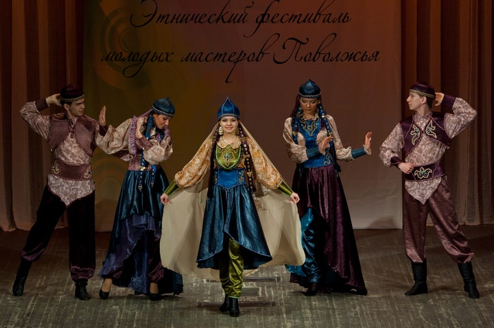 """Казань соберет модельеров на фестиваль """"Этнодар""""-2014"""