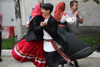 У Минкультуры прошли народные гуляния против закрытия Центра русского фольклора
