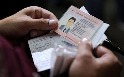 С 5 мая мигранты могут оформить патент без выезда из России