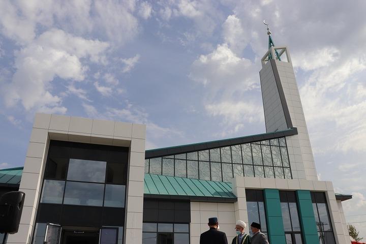 В Набережных Челнах открыли мечеть в стиле хай-тек