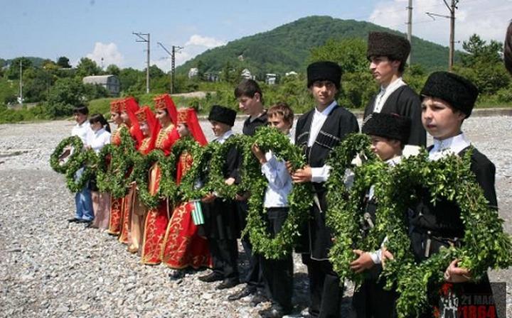 В Сочи со школьников спросили за участие в акции черкесов 21 мая