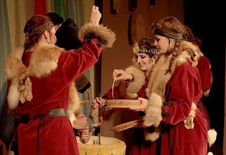 Жителей Тюмени поздравят Ямал Ири и настоящая хантыйская сказительница