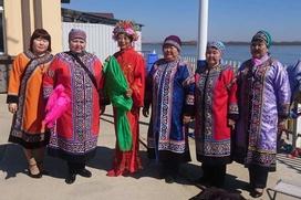 Хабаровские и китайские нанайцы отметили праздник очищения реки ото льда