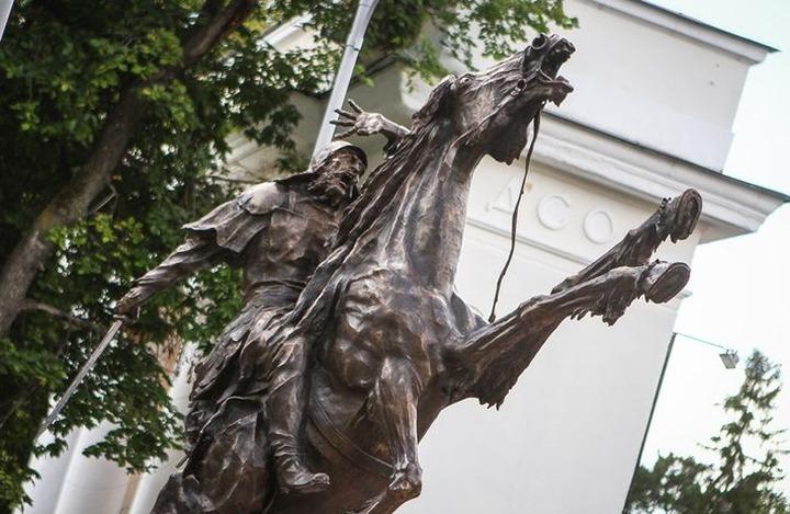 Сибирские татары выступили против установки памятника Ермаку в Омске