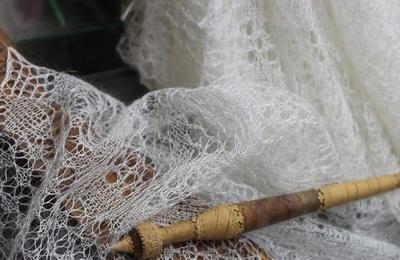 На выставке в Оренбурге покажут традиционные пуховые платки из музейной коллекции