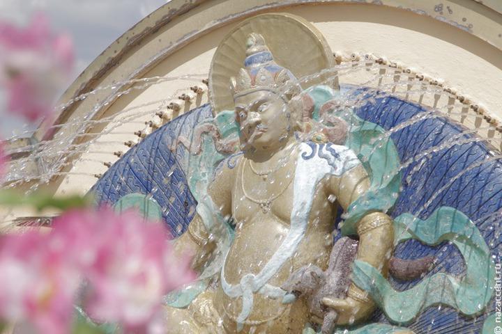 Живую традицию бурятской буддийской живописи представят в Петербурге