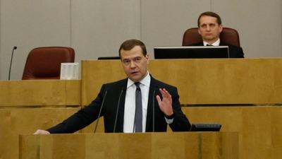 Медведев: Трудовые мигранты должны говорить по-русски