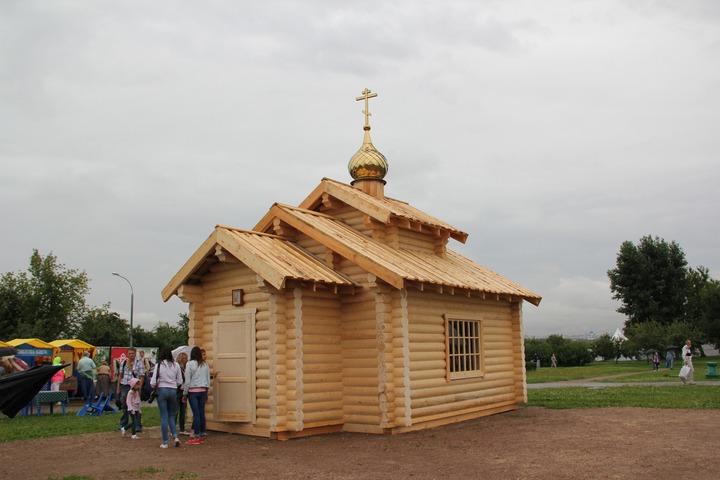 На фестивале славянского искусства в Коломенском за один день построили храм