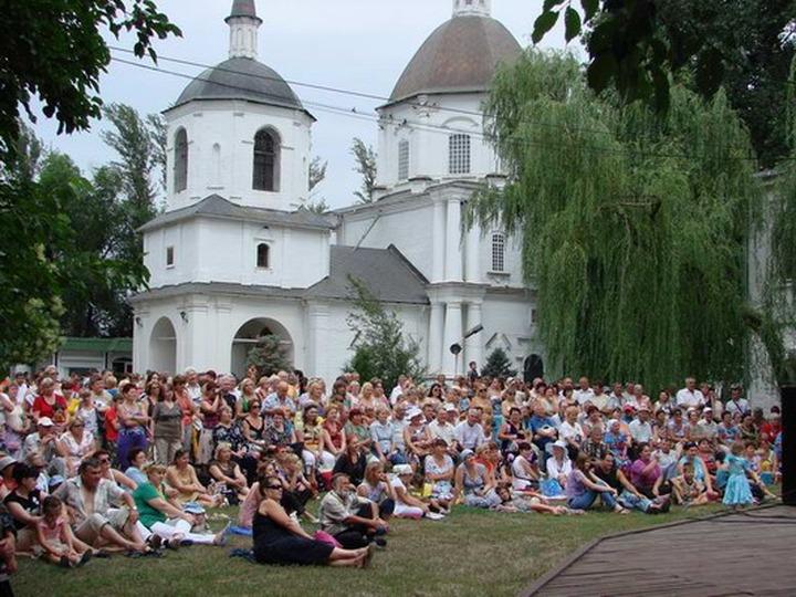 В станице Старочеркасской прошел фестиваль казачьего фольклора