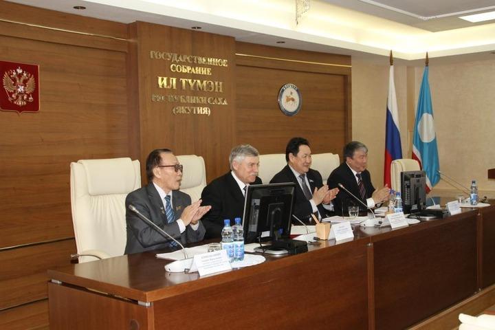 Якутские оппозиционеры: Новый закон о выборах закроет дорогу для местного населения в парламент республики
