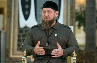 Кадыров стал участником флешмоба и прочитал стихотворение на чеченском языке