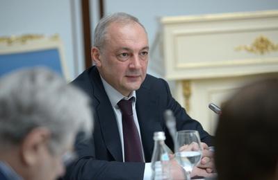 Магомедов сохранил пост замглавы Администрации президента