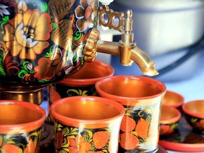 В Татарстане песнями и плясками отметили праздник самовара