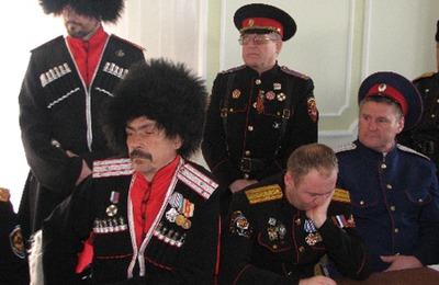 Ялтинские казаки начали патрулировать территорию школ