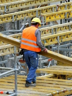 Минтруд предложил сократить количество мигрантов на стройках