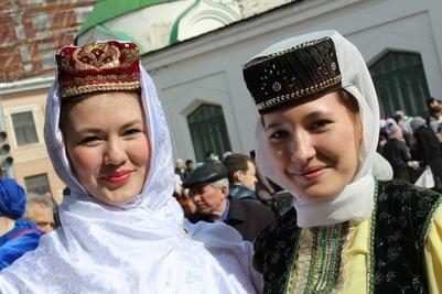 Артисты 20 регионов РФ представят культуру татар на фестивале в Казани