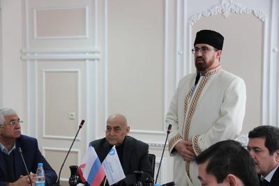 Старейшины и ученые призвали крымских татар голосовать за Путина