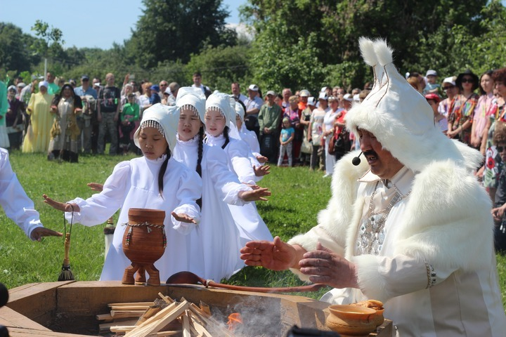 В Якутии празднуют день древнего эпоса Олонхо