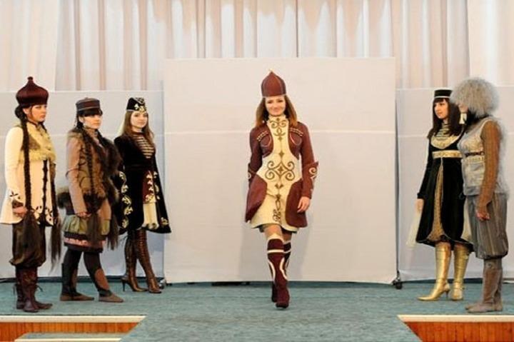 """В Майкопе показали коллекцию одежды """"Стиль Кавказа"""""""