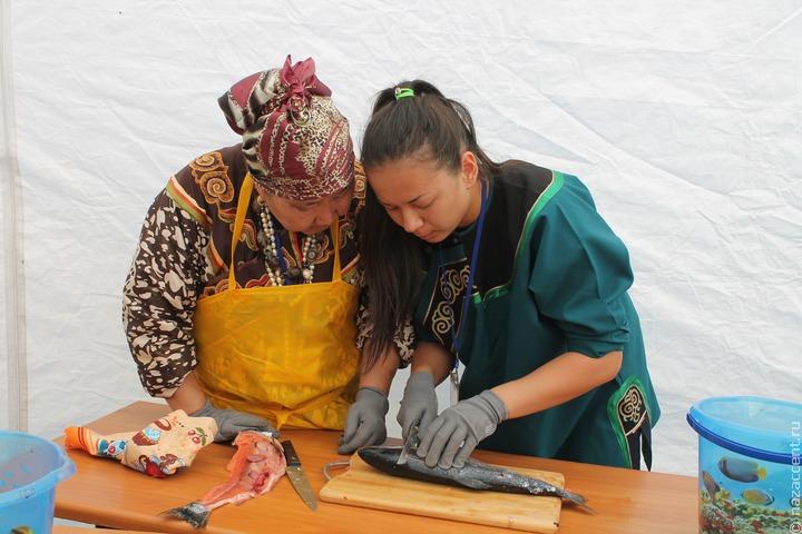 На eBay начали продавать изделия коренных народов из рыбьей кожи