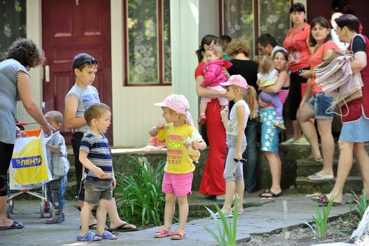 МЧС: Число украинских беженцев в России превысило 17 тысяч человек