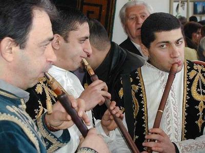 Музыкальный марафон в Кемерове открыли армянские и азербайджанские артисты