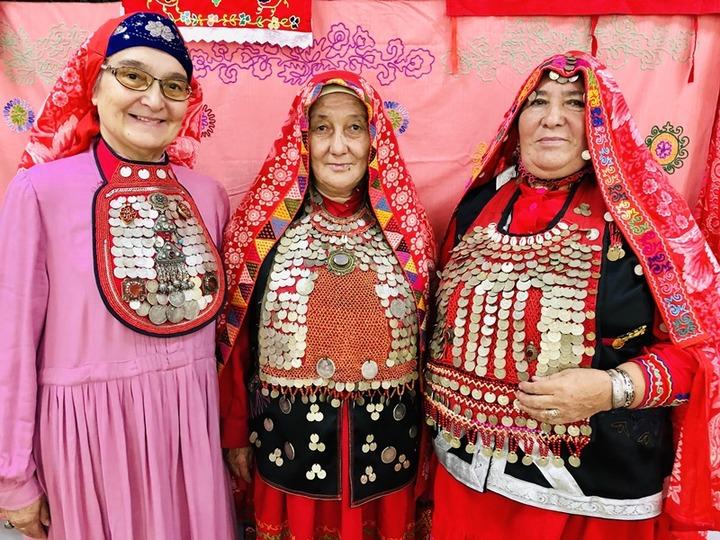 Жителей Башкортостана научили изготавливать предметы национального костюма