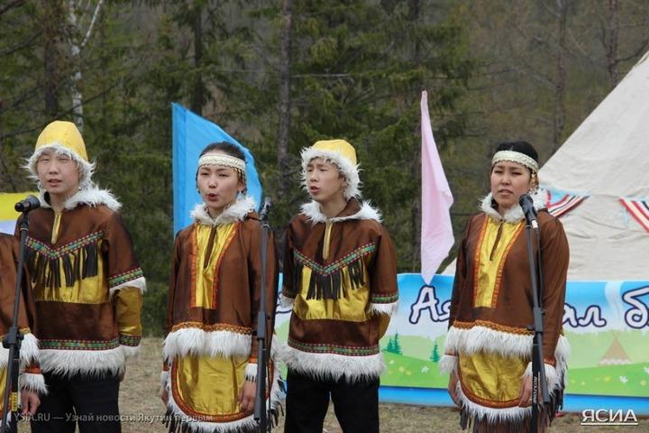 В Якутии отпраздновали Бакалдын и сыграли в эвенкийский футбол
