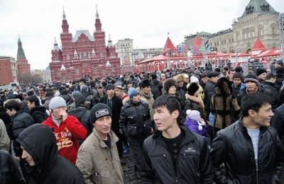 В Москве за 7,3 млн рублей составят правила поведения для мигрантов