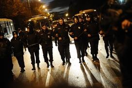 В Санкт-Петербурге 16 националистов задержали после схода за погром в Апраксином Дворе