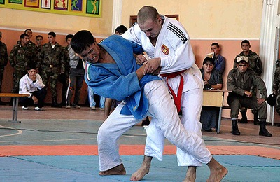 Турнир по древней таджикской борьбе гуштингири пройдет в Татарстане