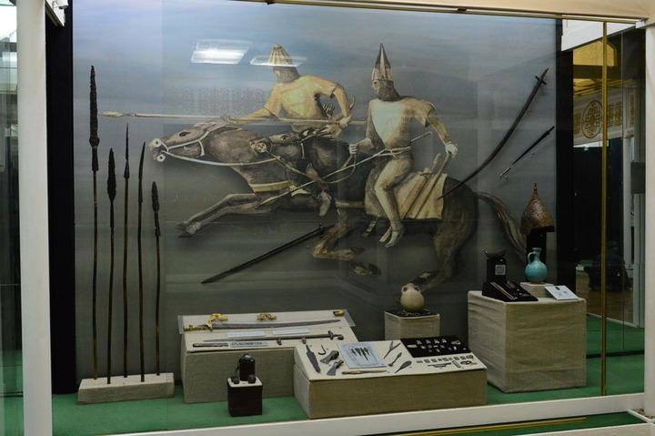 """В Москве открылась выставка """"Адыги – рыцари, всадники, воины..."""""""