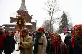 В новгородских Витославлицах устроили гулянья, святки и колядки