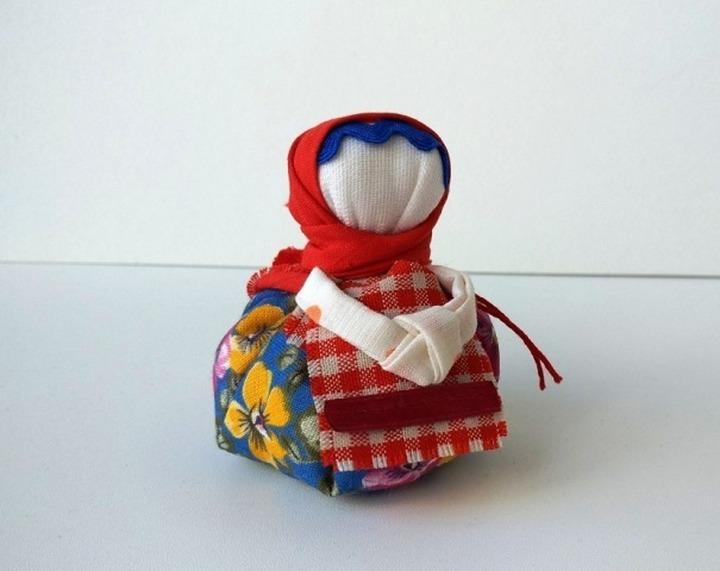 Сотрудники музея Эрьзи провели онлайн мастер-класс по изготовлению народной куклы