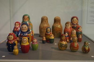 В библиотеке Симферополя Дню России посвятили фольклорную экспозицию