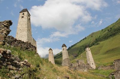 Горы и древние башни Ингушетии