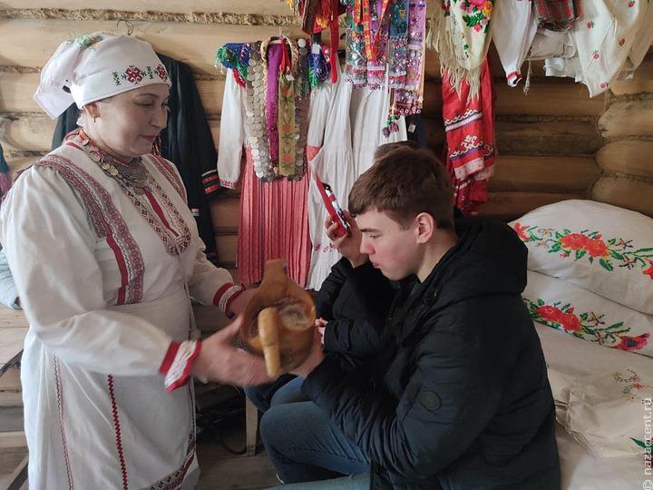 Выпускники псковской Школы межэтнической журналистики побывали в Музее чувашского крестьянина