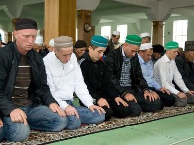 В мечетях Подмосковья перешли с татарского на русский язык