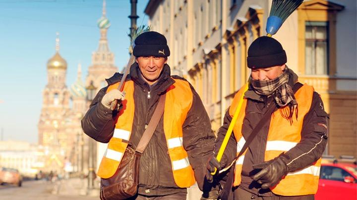 Исследование: Зарплата мигрантов в среднем на 15% меньше дохода россиян