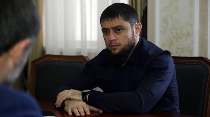 Помощник главы Чечни: мы не заставляем людей извиняться, мы звоним и объясняем традиции