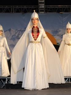 День черкесского национального костюма отметят в Адыгее