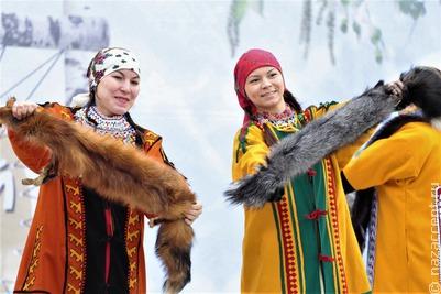 Мастер-классы и народные куклы: в Ханты-Мансийске идет фестиваль национального костюма