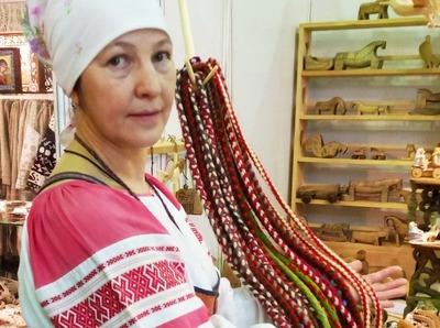 Жителей Вологодской области научат плести народные круглые пояса