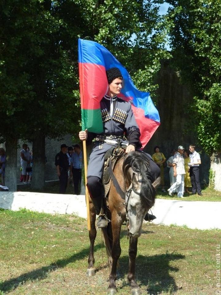 Донские казаки совершат конный переход по Ростовской области перед празднованием Великой Победы