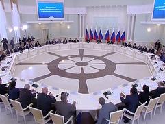 Путин поручил обеспечить права школьников на изучение русского языка