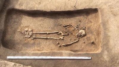 Захоронение древнерусской модницы обнаружили ученые на могильнике под Суздалем