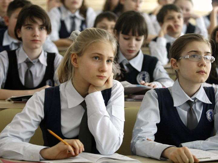 Общественник: В школах КЧР плохо преподают национальные предметы