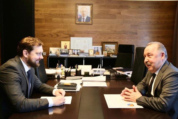 Газзаев и Баринов обсудили совместные инициативы Комитета по делам национальностей ГД и ФАДН