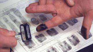 МВД намерено снимать отпечатки пальцев у всех въезжающих в Россию иностранцев
